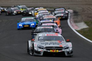 Restart nach Safetycar-Phase | foto: aos